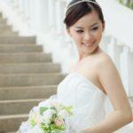 Makijaż ślubny dla cery trądzikowej. Jak uzyskać olśniewający efekt?
